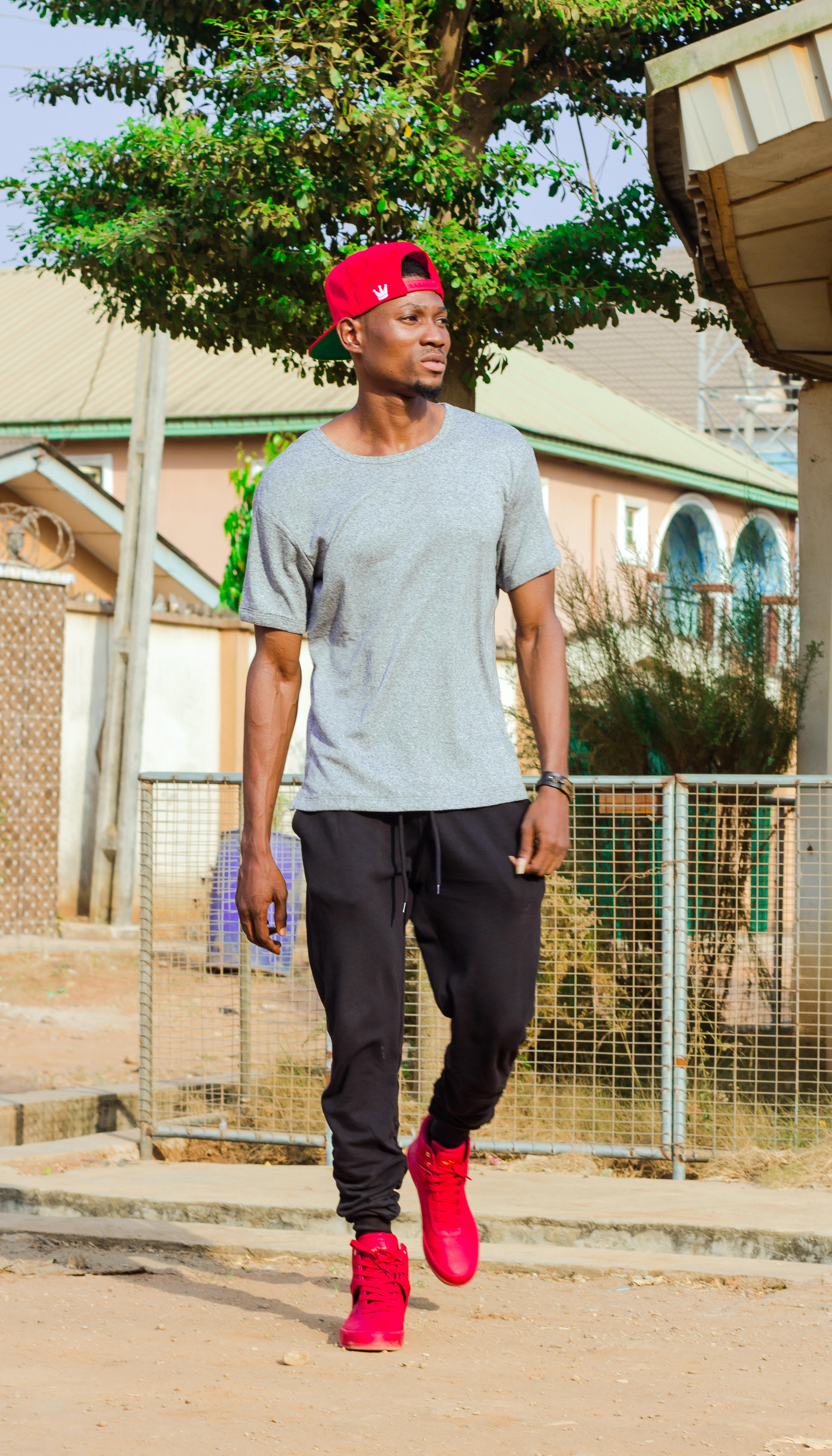 Elawe Is A Nigerian Based Fashion Clothing Brand Founded By Elohor Sigbenu Graduate Of The University Benin And Attended Zaris Stlye